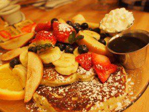 世界一の朝食、カフェカイラのパンケーキ。新鮮なフルーツが山盛り。これはわざわざ来て食べた甲斐があった!表参道にもあるみたい